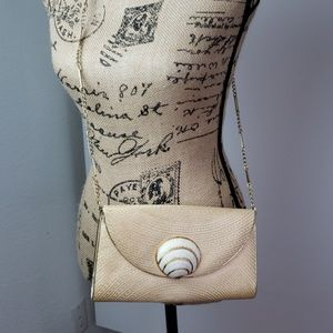 Vintage Crossbody with shell accent